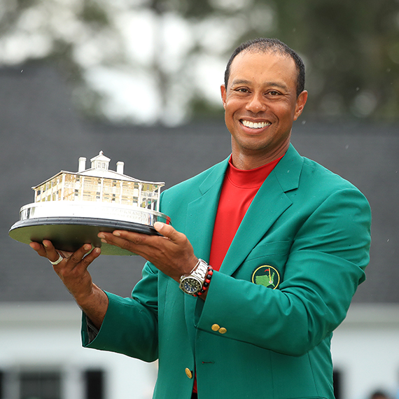 Tiger Woods blazes into sports lore